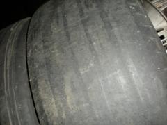 (A-2)ここまでくるとタイヤとしてはまったく機能しません.JPG